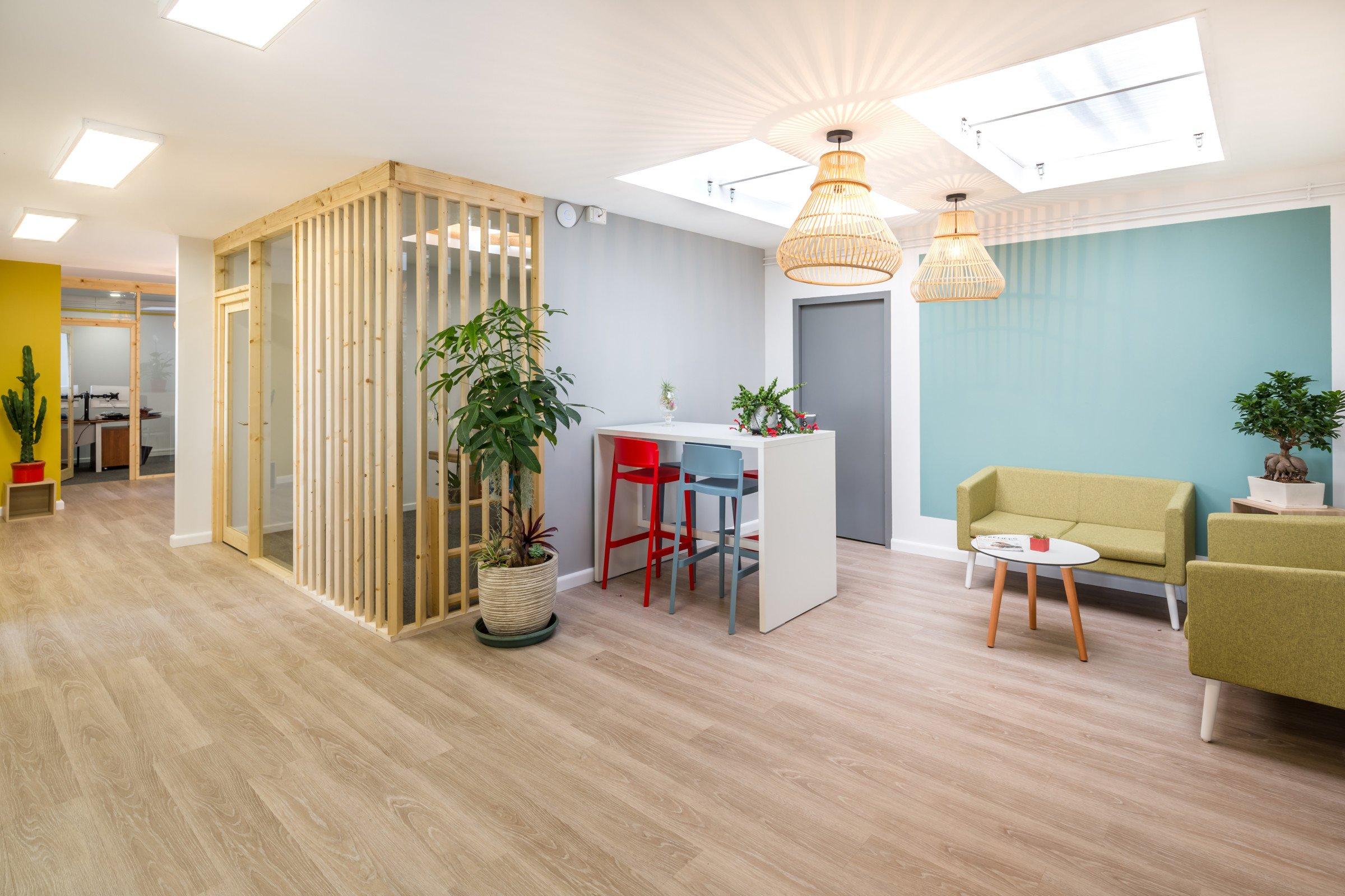 Espace de bureau comme à la maison Bagnères-de-Bigorre