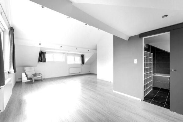 2-chambre-parents-3e-etage-blackwhite