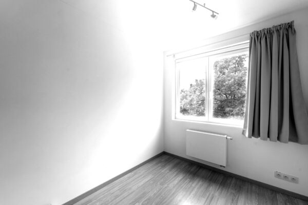 9-mon-bureau-1er-etage-blackwhite