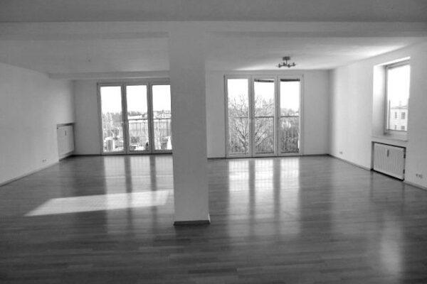 salon-2-portes-fenetres-blackwhite